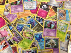 100 Assorted Pokemon Cards with Bonus Holos & Rares